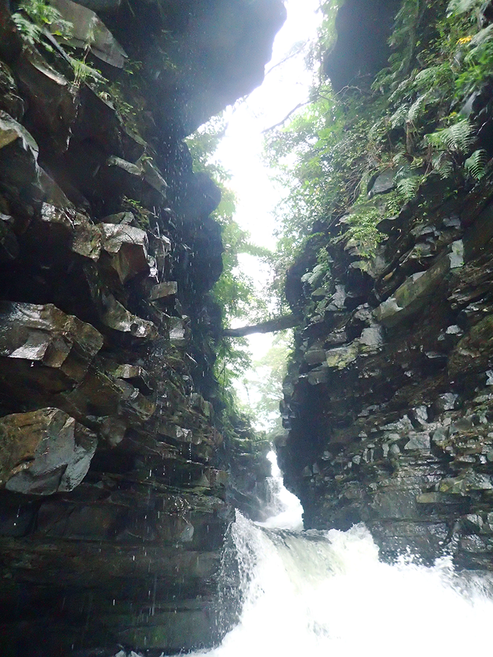 マヤグスク 神の宿る滝